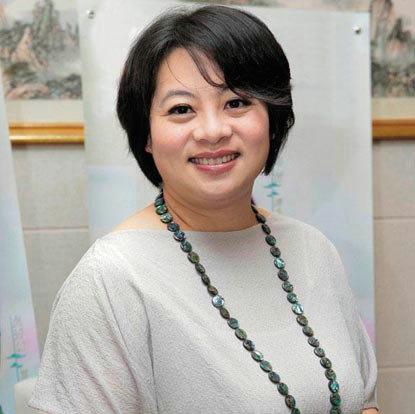 """...女作家的代表.2010年11月15日\""""2010第五届中国作家富豪榜..."""
